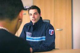 Interrogatoire musclé : rebeu baisé par un flic