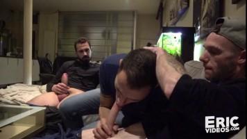 Porno gay bareback Français filmé à Paris
