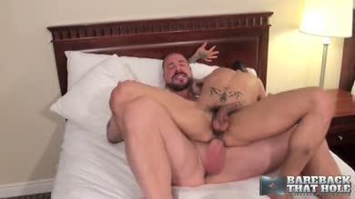 Défonce avec daddy viril et son énorme gourdin