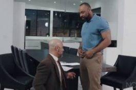 Agent immobilier se tape son client – Adam Russo et Ray Diesel