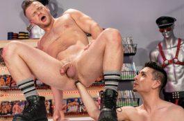 Fisting Hard: Brian Bonds & Luka Sage