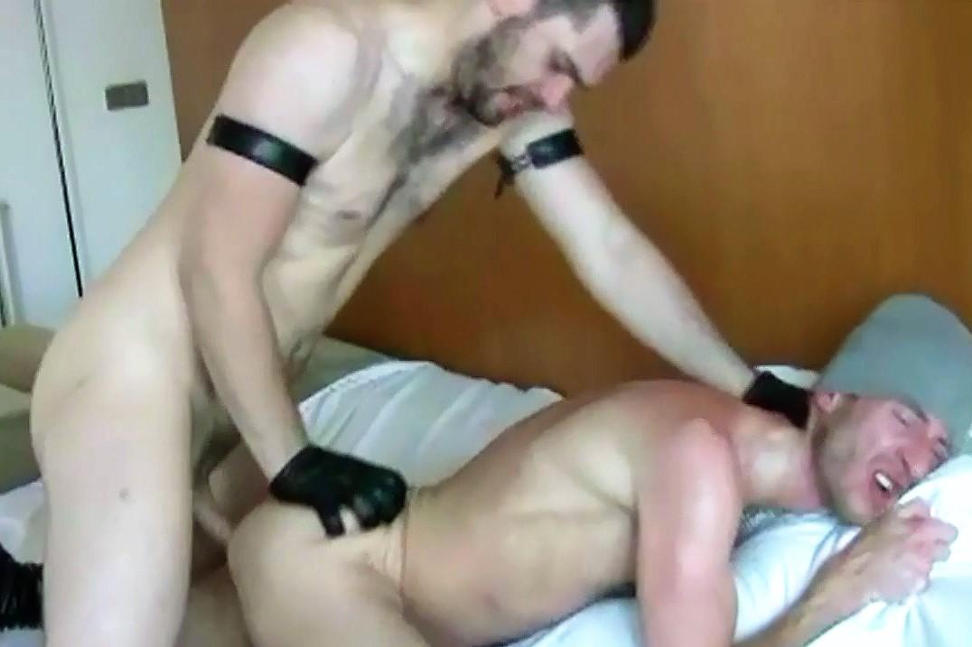 Un cul de passif soumis pour macho domi