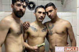 Trio torride sous la douche