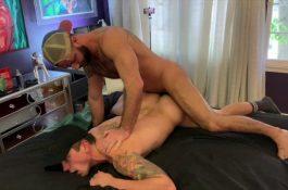Le passif aime quand le sexe est hard !