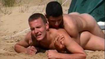Abdel aime baiser des mecs !