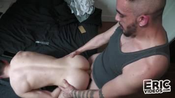 Lascars insémine un gros cul au sperme